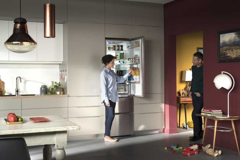 Haier Europe_Shooting Lifetyle_3D Series Couple_Le Studio Graphique des Improductibles