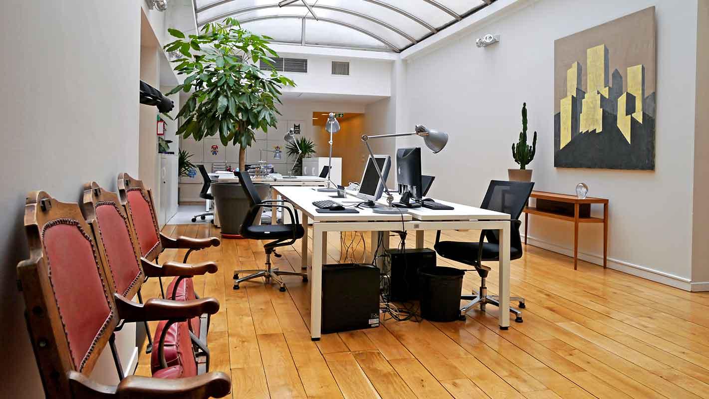 Le Studio Graphique des Improductibles est situé au 19 rue ganneron 75018 Paris