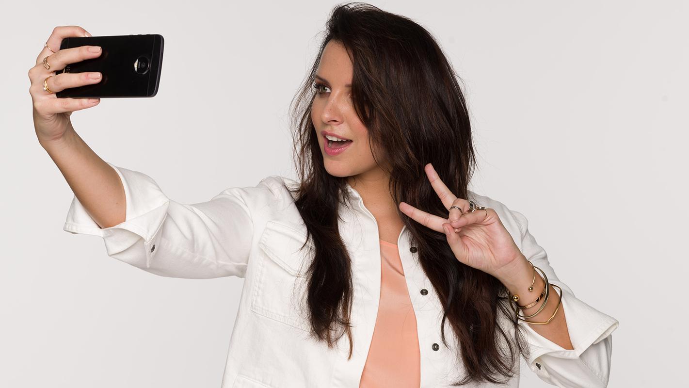 loreal-pro-dia-richesse-selfie-color-16x9-report-ludivine1